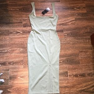 BRAND NEW Nasty Gal Sage Dress - Size 6